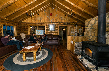 lazy-bear-lodge-lounge-churchill